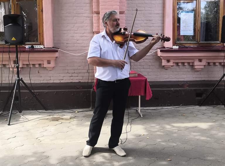 Юрий БЕСПАЛОВ, преподаватель по классу скрипки