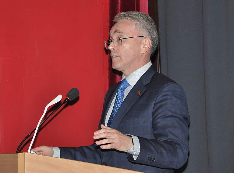 Выступает депутат Законодательного Собрания Краснодарского края Эдуард Кузнецов